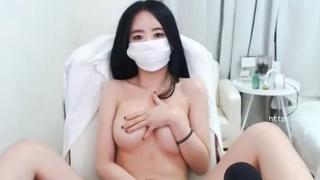 [Korea] 對著鏡台自摸粉紅頭頭的韓國視訊主播,來人阿幫我把口罩摘下來