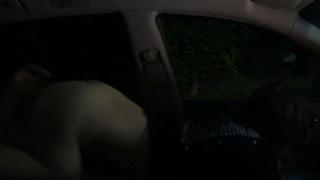 去擎天崗看夜景意外發現隔壁車內玩69 趁他們吃得沉醉偷拍