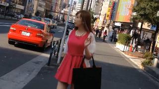真‧偷拍神人!!假裝逛街尾隨 其實是想看氣質正妹裙下的美好風景!!2