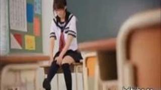 「♥ちょっと何するんですか?」キュートな貧乳メガネっ娘JKの大胆エッチ!(ほしのあすか)【無料エロ動画】