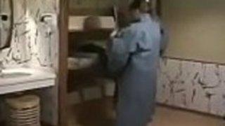 娘と息子がいる日本人の母 - meettube.netの第2部を見る