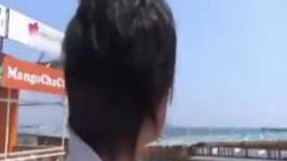 【素人ナンパ】「赤ちゃん出来ちゃうっ!」海水浴場で危険日らしい美人妻をナンパして、寝取り中出しで孕まセックスwww
