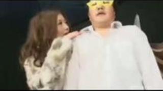 【大槻ひびき】「なんか出てるぅ」ギャるお姉さんが手コキで射精させるとさらにしごいて男のしおふき 大槻ひびき