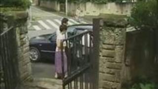 【ぱいコレ動画】縛乳ドウガ無料-家事をしている最中に男に襲われちゃた人妻!スカートをまくり上げてち〇ぽずっぽり挿入wバックで突き上げられwww