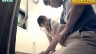 【羽月希】介護ストレスを抱えた欲求不満な奥さんは若い男性介護士のチンポに無我夢中