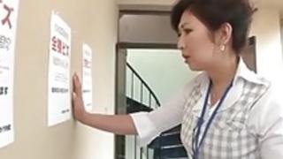 日本のヌードオフィスワーカー