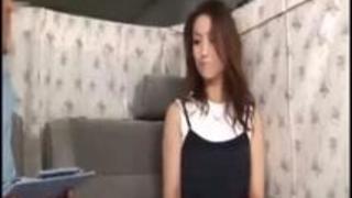 xvideosまとめ: 美魔女の熟女の奥さんをナンパでゲット!魅惑のボディで綺麗な胸!ハメ撮りで他人棒を挿入され絶頂しまくる!