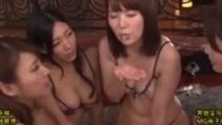 フェラ 手コキ 痴女 ハーレム 波多野結衣