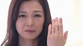 奇妙な日本人の恋人が雄鶏を吸う