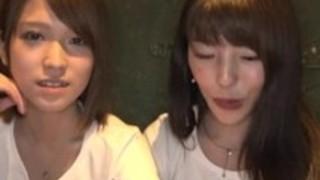 日本のレズビアンの支配 -  2対2の戦闘