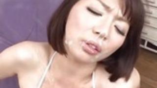 シャイかわいい潮吹き日本人ティーンぶっかけ