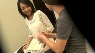 【xvideos】美人な人妻素人の手コキ無料絶対エロ動画。【人妻、素人動画】