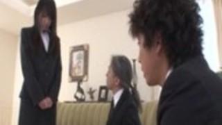 彼女の上司とことみ朝倉オフィスの冒険