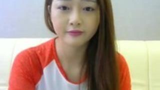 アジアの天使は、ウェブカメラ23でオナニー