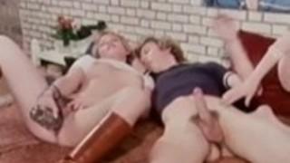 古典的なポルノサイトで信じられないほどの古典的なポルノスター