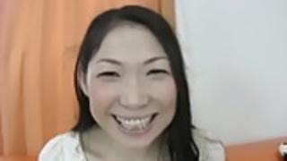 【無修正】ハメ撮りされて大量中出しのムッチリ奥さん!