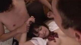 同級生達に輪姦される美女優等生 麻里梨夏