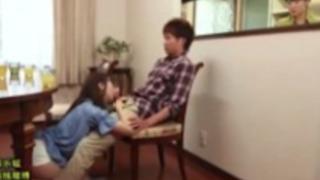 【佐々波綾】スケベすぎる妹が家族に隠れてお兄ちゃんのチンコをフェラ抜きwww【AV女優】