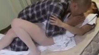【中野ありさ顔射】巨乳の淫乱痴女素人看護婦ナース美人娘の、中野ありさの顔射プレイがエロい!