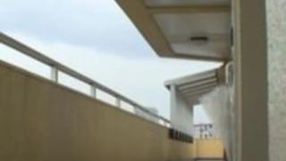 Nob00|【レイプ人妻】ゴミ出しから戻り玄関前でDQNに襲われ自宅に押し入られた巨乳美人妻が立ちバックで犯される