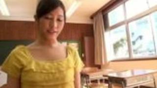 エキゾチックフェラチオ輪姦で狂った日本人の女の子の青木美空