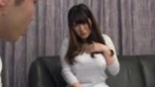 日本の男のウィットをクソ巨乳アジア人乳首