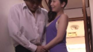 佐々木あき:弟の友達を誘惑する美熟女。エロ過ぎる淫乱痴女行為にチ〇ポはもう、MAXボッキ