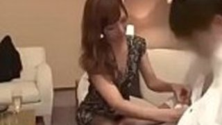 ボスの部屋の日本のランジェリーモデルのセックス - もっとElitejavhd.comで