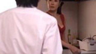 ピム・セックス・ローン・ミー・コン - 日本の母親(フルムービーhttp://ouo.io/7Z7p1z)