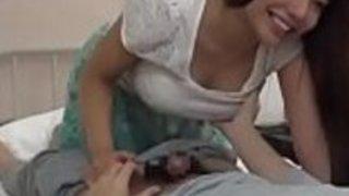 松本梅、綾乃加藤、福崎漣 - 近くの寝ている間に病院で彼氏を訪ねた女の子を犯した