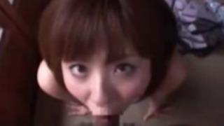 【麻美ゆま】嬉しそうにチンコをしゃぶる巨乳美人の喉奥フェラで大量射精!