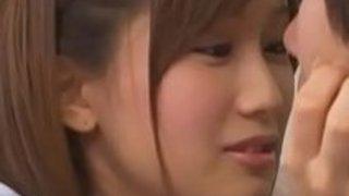 【小島みなみ】激カワJKとたっぷり舌を絡めるベロチュー交えてソックス着衣ハメ!