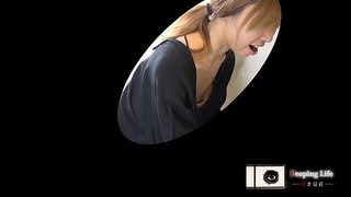 【胸チラ】とあるベビマ教室の様子{vol.04}吸われ肥大したブドウ系エロ乳首2連発!!