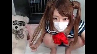 ライブチャット動画|全裸でベランダに出て恋チュンを踊るパイパン娘☆