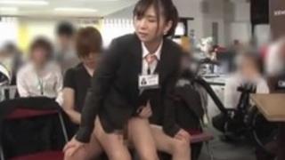 本橋由香 自らの体で新型自転車のプレゼンするSOD女子社員